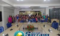 Alunos do ensino fundamental da Escola Castro Alves visitam a Câmara