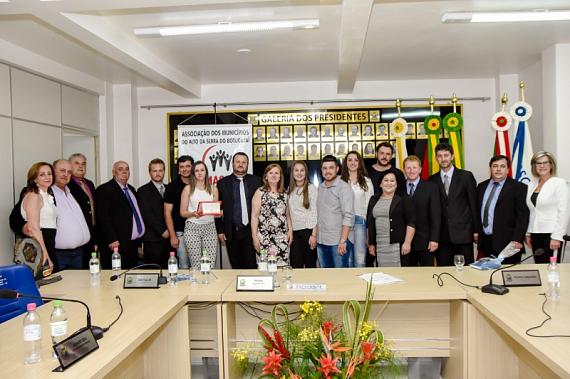 Amasbi realiza homenagem ao ex-prefeito de Barros Cassal Jovelino Zago