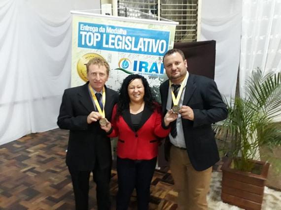 Câmara de Barros Cassal foi agraciada com a Medalha Top Legislativo